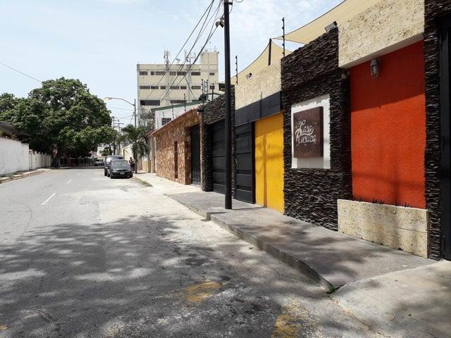 Casa Vargas>La Guaira>Macuto - Venta:150.000 Precio Referencial - codigo: 19-12579