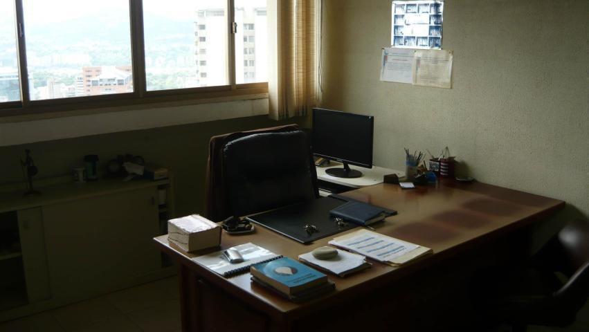 Oficina Distrito Metropolitano>Caracas>Los Dos Caminos - Venta:185.000 Precio Referencial - codigo: 19-12417