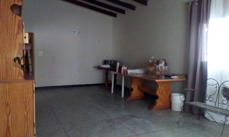 Casa Falcon>Punto Fijo>San Rafael - Venta:13.000 Precio Referencial - codigo: 19-12448