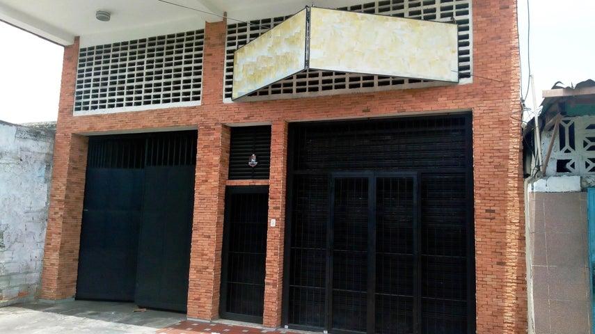 Edificio Aragua>Maracay>Zona Centro - Venta:165.000 Precio Referencial - codigo: 19-12517