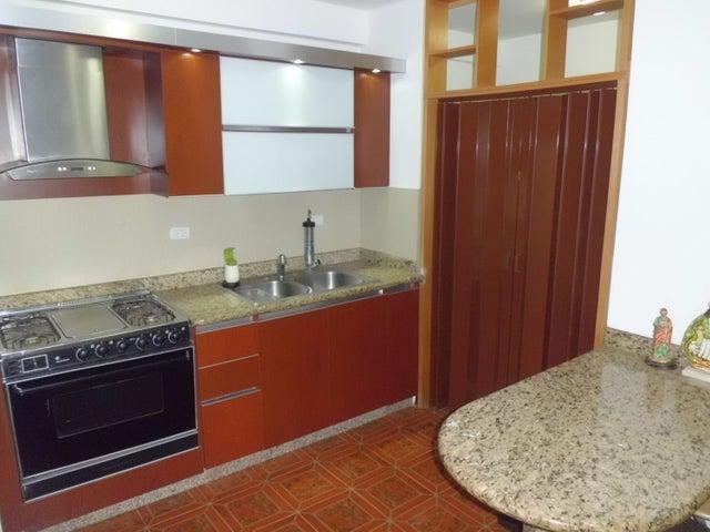 Apartamento Carabobo>Municipio Naguanagua>Tazajal - Venta:30.000 Precio Referencial - codigo: 19-13112