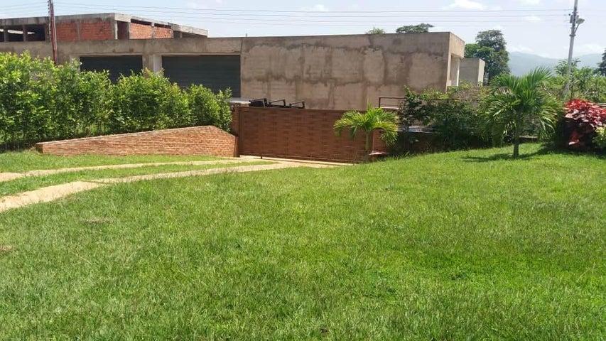 Casa Carabobo>Municipio Libertador>Safari Ranch - Venta:70.000 Precio Referencial - codigo: 19-2667