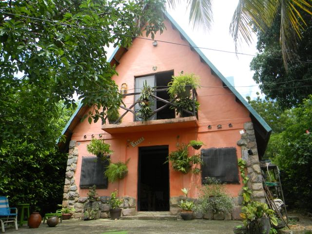 Casa Lara>Barquisimeto>El Manzano - Venta:13.000 Precio Referencial - codigo: 19-12944
