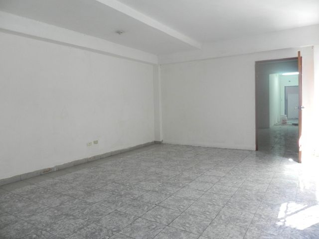 Edificio Distrito Metropolitano>Caracas>Montecristo - Venta:1.200.000 Precio Referencial - codigo: 19-13068