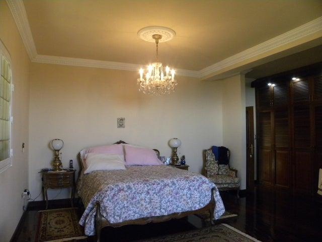 Casa Miranda>San Antonio de los Altos>Club de Campo - Venta:1.700.000 Precio Referencial - codigo: 19-12713