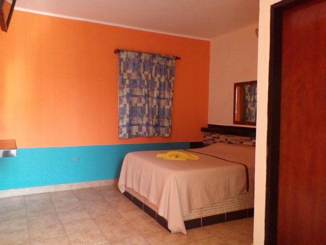 Edificio Falcon>Punto Fijo>Guanadito - Venta:600.000 Precio Referencial - codigo: 19-12680