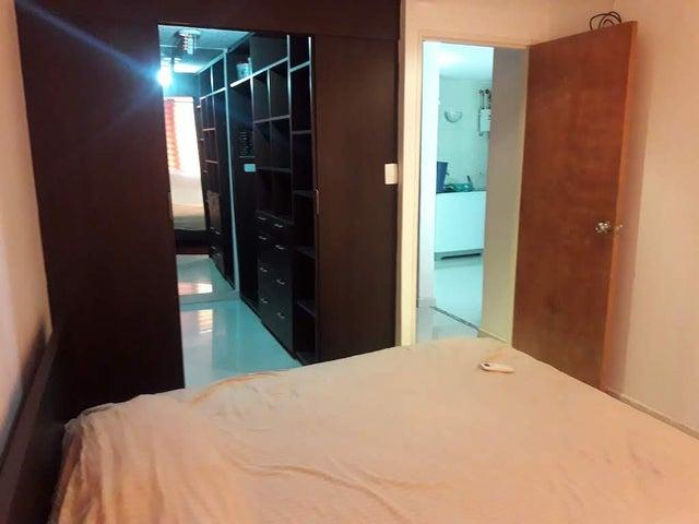 Apartamento Distrito Metropolitano>Caracas>Los Naranjos Humboldt - Venta:45.000 Precio Referencial - codigo: 19-12699