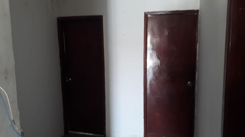 Casa Zulia>Maracaibo>La Floresta - Venta:8.000 Precio Referencial - codigo: 19-12996
