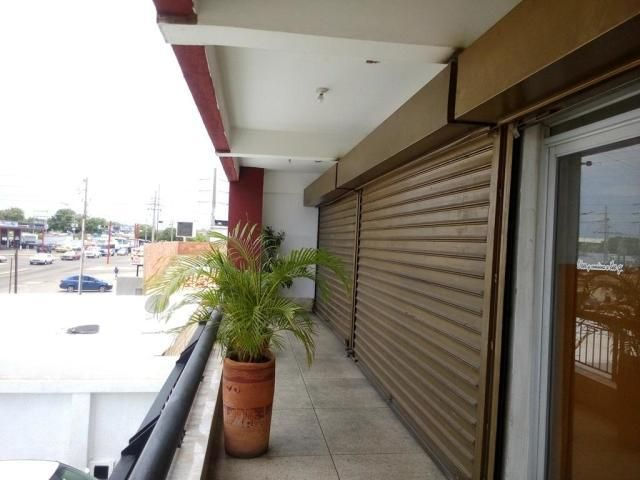 Local Comercial Zulia>Municipio San Francisco>La Coromoto - Alquiler:100 Precio Referencial - codigo: 19-12751