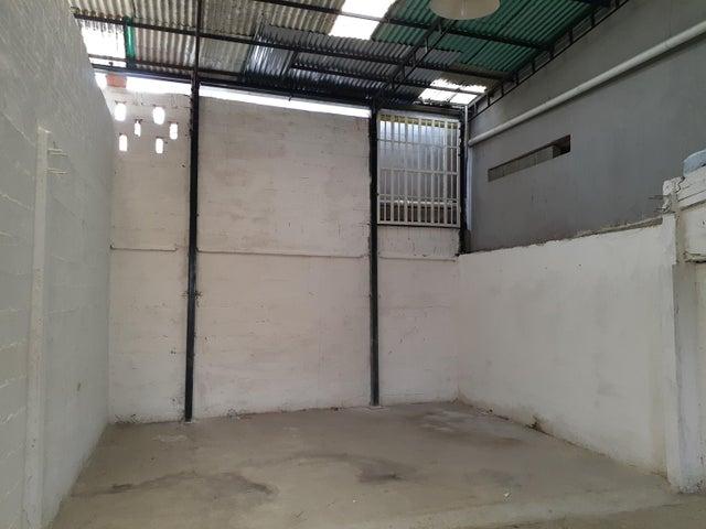 Local Comercial Lara>Barquisimeto>Parroquia Concepcion - Alquiler:150 Precio Referencial - codigo: 19-12778
