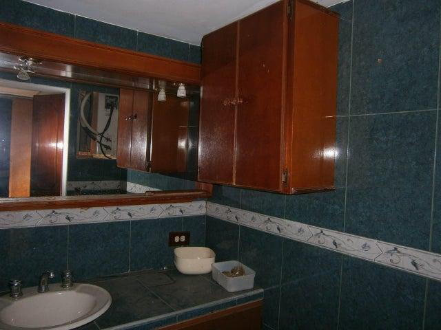 Oficina Carabobo>Valencia>Centro - Alquiler:150 Precio Referencial - codigo: 19-12807