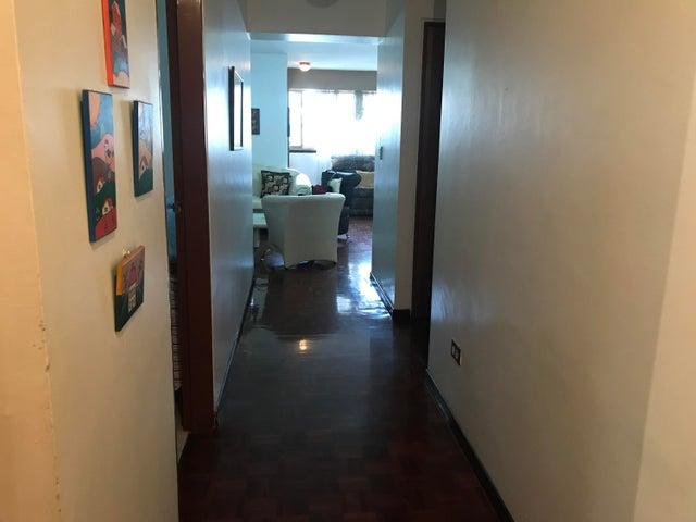 Apartamento Miranda>Los Teques>Municipio Guaicaipuro - Venta:28.000 Precio Referencial - codigo: 19-12894