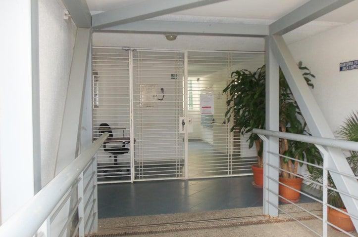 Apartamento Distrito Metropolitano>Caracas>El Hatillo - Venta:28.500 Precio Referencial - codigo: 19-13009