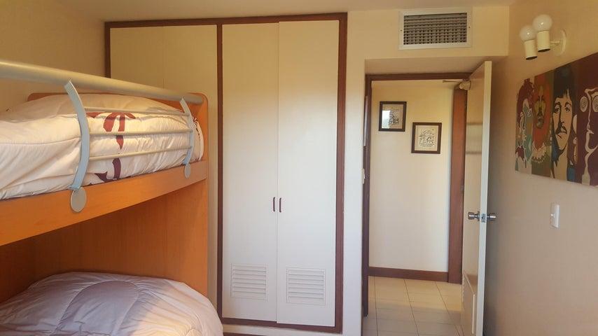 Apartamento Vargas>Parroquia Naiguata>Camuri Grande - Venta:83.000 Precio Referencial - codigo: 19-13349