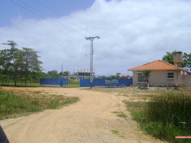Terreno Miranda>Higuerote>Club Campestre El Paraiso - Venta:1.000 Precio Referencial - codigo: 19-12935