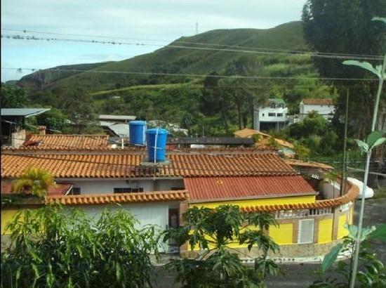 Casa Miranda>Los Teques>El Tambor - Venta:35.000 Precio Referencial - codigo: 19-12970