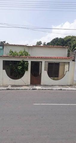 Casa Yaracuy>Chivacoa>Bruzual - Venta:15.000 Precio Referencial - codigo: 19-12985
