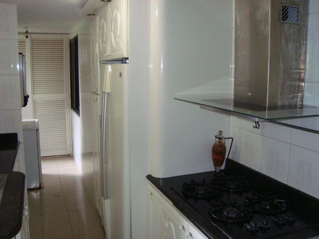 Apartamento Miranda>San Antonio de los Altos>La Rosaleda - Venta:38.000 Precio Referencial - codigo: 19-12986