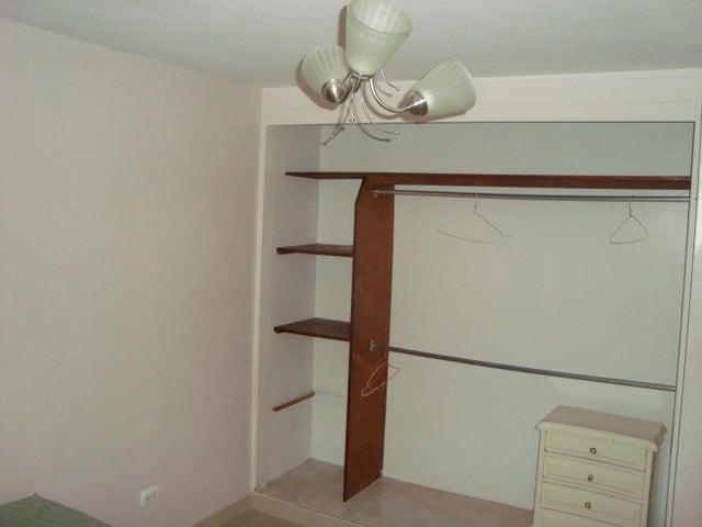Apartamento Miranda>San Antonio de los Altos>La Arboleda - Venta:50.000 Precio Referencial - codigo: 19-12986