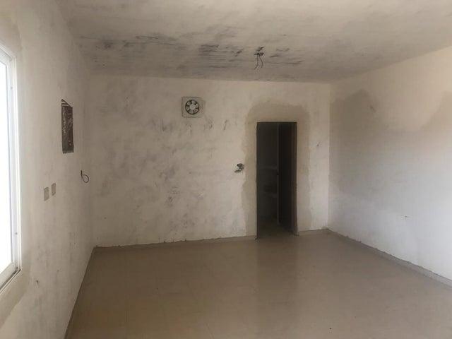 Casa Falcon>Punto Fijo>El Cardon - Venta:4.500 Precio Referencial - codigo: 19-12987