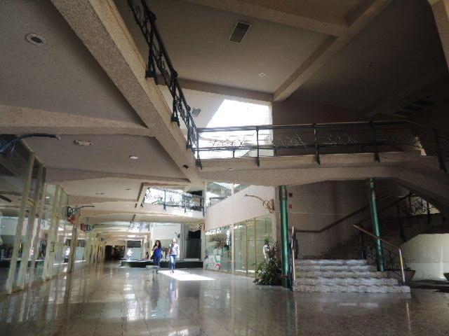 Local Comercial Zulia>Maracaibo>Avenida Delicias Norte - Alquiler:200 Precio Referencial - codigo: 19-12997