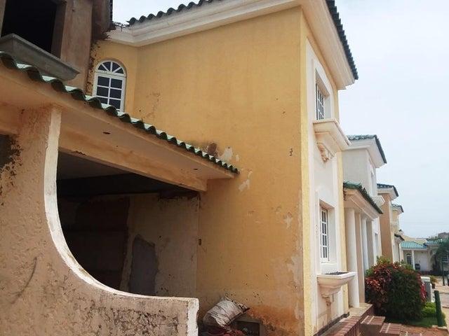 Townhouse Zulia>Maracaibo>Avenida Milagro Norte - Venta:37.500 Precio Referencial - codigo: 19-12881