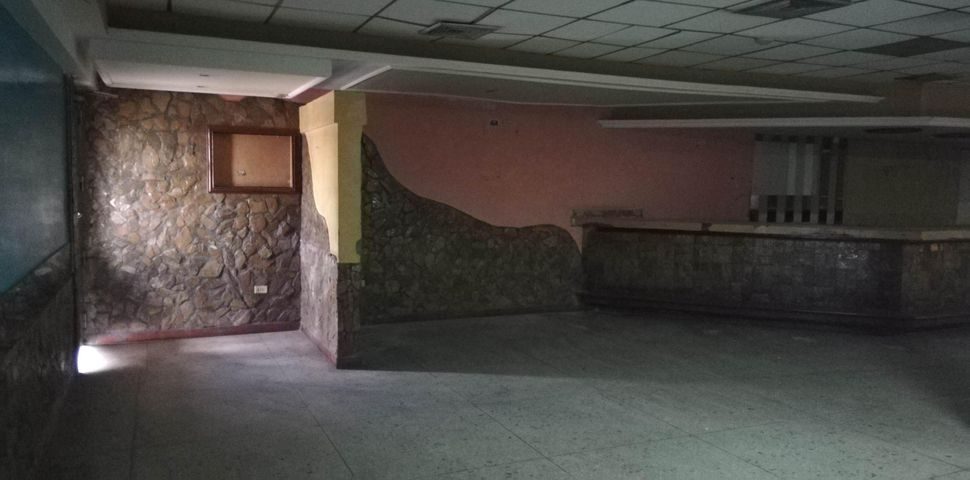 Local Comercial Zulia>Maracaibo>Circunvalacion Dos - Venta:19.500 Precio Referencial - codigo: 19-12999