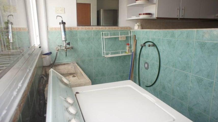 Apartamento Lara>Barquisimeto>Nueva Segovia - Venta:30.000 Precio Referencial - codigo: 19-13033