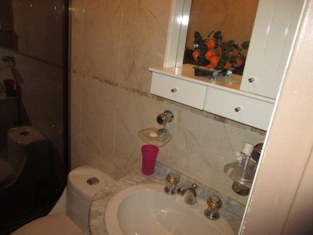 Apartamento Distrito Metropolitano>Caracas>Parroquia La Candelaria - Venta:35.000 Precio Referencial - codigo: 19-13017