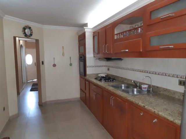 Townhouse Zulia>Maracaibo>Santa Fe - Venta:25.000 Precio Referencial - codigo: 19-13013