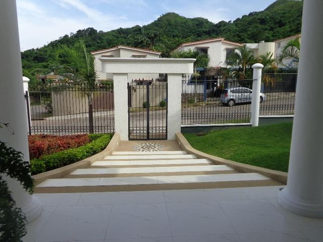 Casa Carabobo>Valencia>Prebo III - Venta:550.000 Precio Referencial - codigo: 19-13044