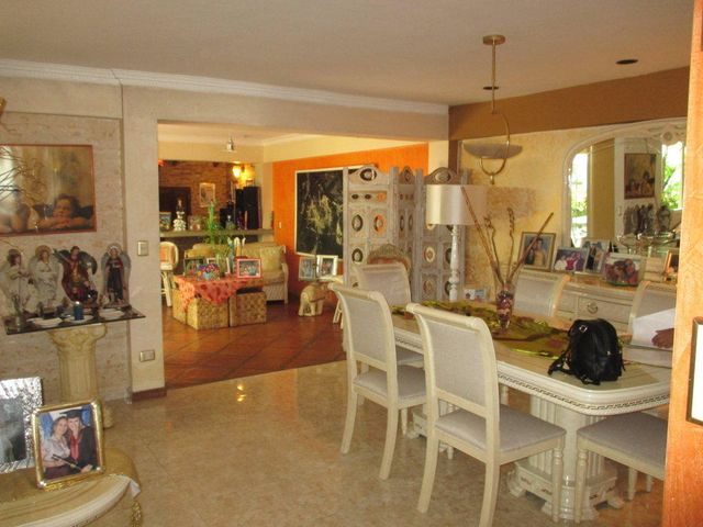 Casa Distrito Metropolitano>Caracas>Caurimare - Alquiler:700 Precio Referencial - codigo: 19-13031