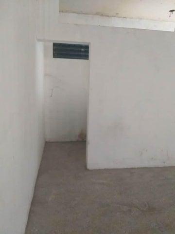 Local Comercial Falcon>Coro>La Velita - Venta:1.800 Precio Referencial - codigo: 19-8662