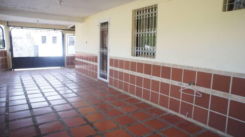 Casa Yaracuy>San Felipe>San Felipe - Venta:30.000 Precio Referencial - codigo: 19-13065