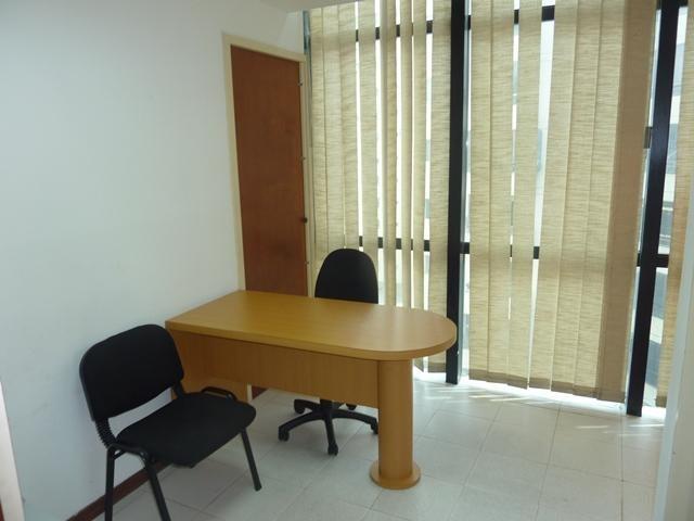 Oficina Distrito Metropolitano>Caracas>Sabana Grande - Venta:50.000 Precio Referencial - codigo: 19-13048