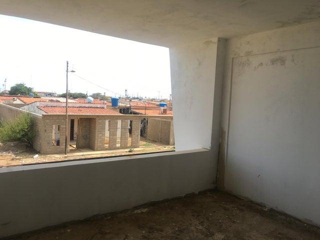 Townhouse Falcon>Punto Fijo>Puerta Maraven - Venta:20.000 Precio Referencial - codigo: 19-13049