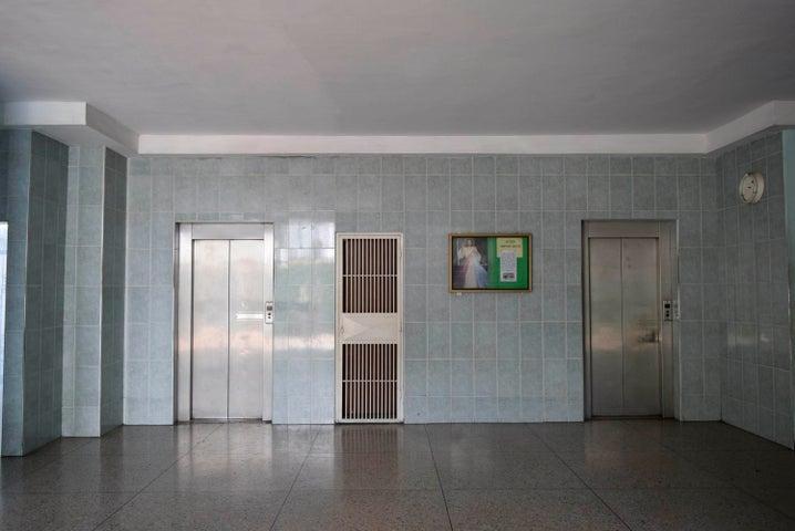 Apartamento Lara>Barquisimeto>Parroquia Juan de Villegas - Venta:11.000 Precio Referencial - codigo: 19-13057