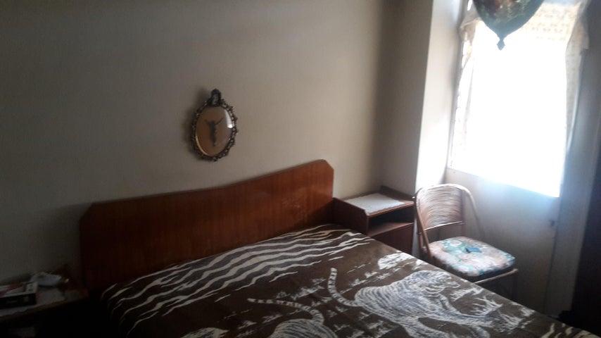 Apartamento Distrito Metropolitano>Caracas>El Paraiso - Venta:49.500 Precio Referencial - codigo: 19-13058