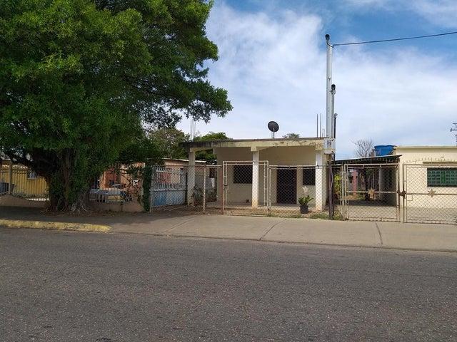 Casa Zulia>Cabimas>Nueva Delicias - Venta:10.000 Precio Referencial - codigo: 19-13071