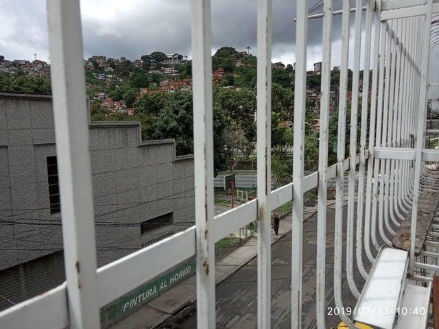 Casa Distrito Metropolitano>Caracas>San Agustin del Norte - Venta:29.500 Precio Referencial - codigo: 19-13133