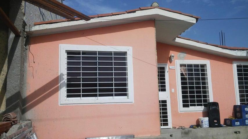 Casa Lara>Barquisimeto>Parroquia Tamaca - Venta:12.000 Precio Referencial - codigo: 19-13131