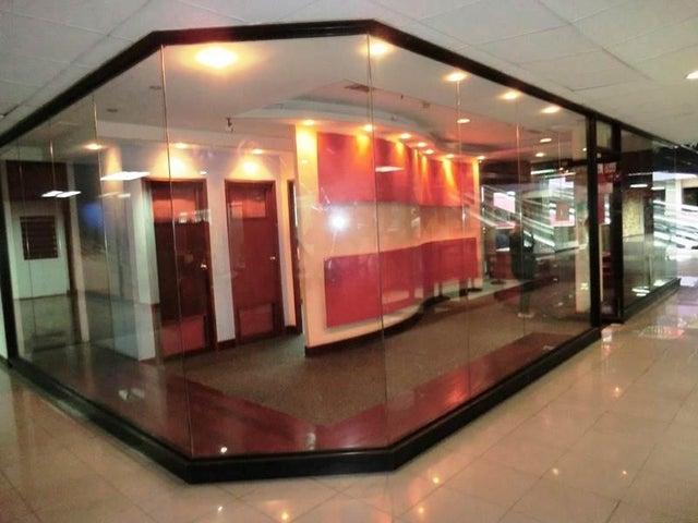 Local Comercial Distrito Metropolitano>Caracas>Macaracuay - Venta:120.000 Precio Referencial - codigo: 19-13096