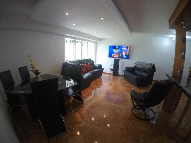 Apartamento Distrito Metropolitano>Caracas>Miravila - Venta:27.000 Precio Referencial - codigo: 19-18578