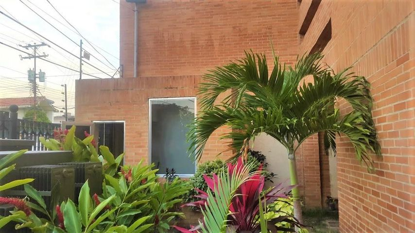 Apartamento Carabobo>Valencia>Agua Blanca - Venta:27.000 Precio Referencial - codigo: 19-13129