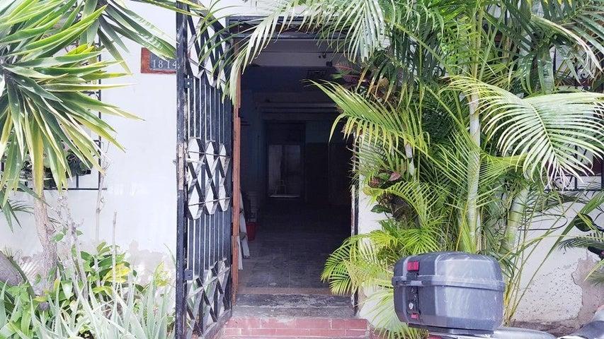 Local Comercial Distrito Metropolitano>Caracas>Los Dos Caminos - Alquiler:300 Precio Referencial - codigo: 19-13141