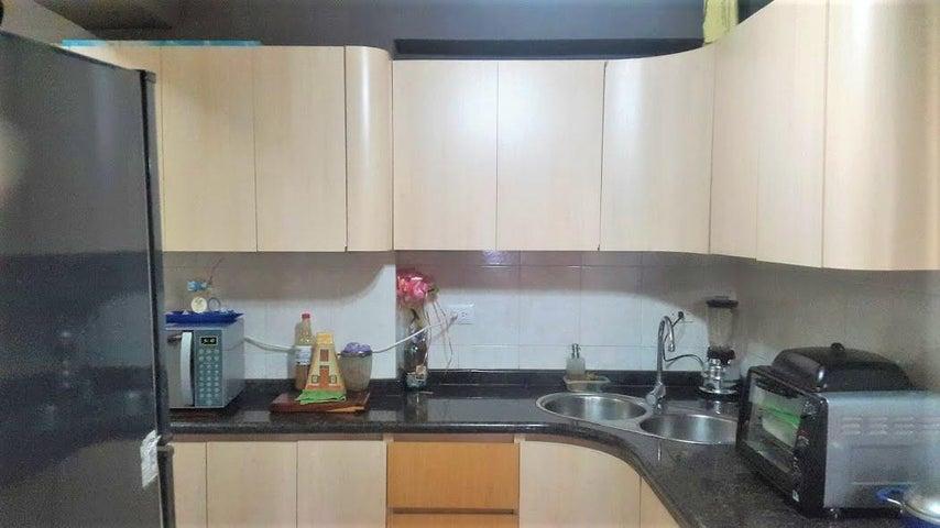 Apartamento Carabobo>Valencia>El Bosque - Venta:35.000 Precio Referencial - codigo: 19-13153