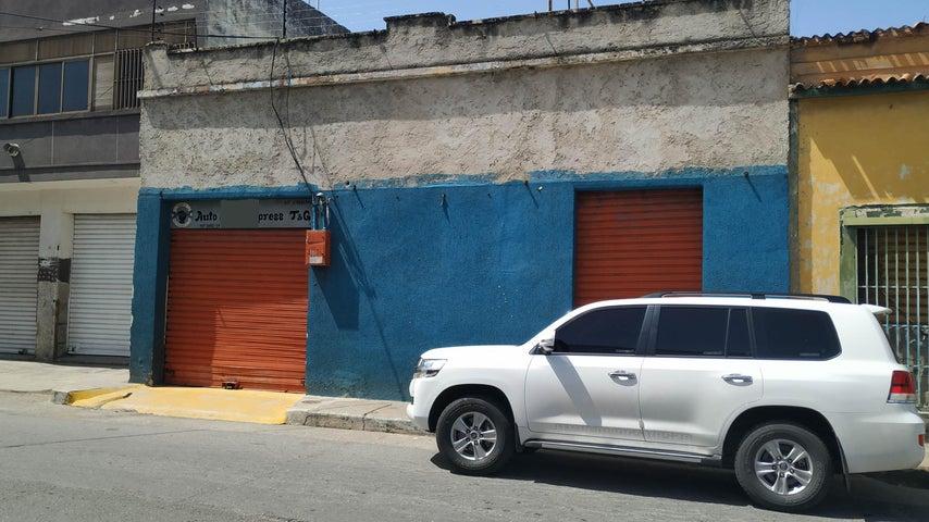 Local Comercial Carabobo>Valencia>La Candelaria - Venta:55.000 Precio Referencial - codigo: 19-13779