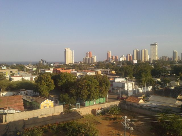 Oficina Zulia>Maracaibo>Zapara - Alquiler:300 Precio Referencial - codigo: 19-13181