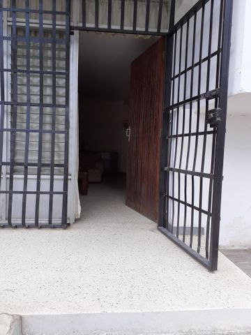 Casa Anzoategui>Puerto La Cruz>Sector El Frio - Alquiler:300 Precio Referencial - codigo: 19-13881
