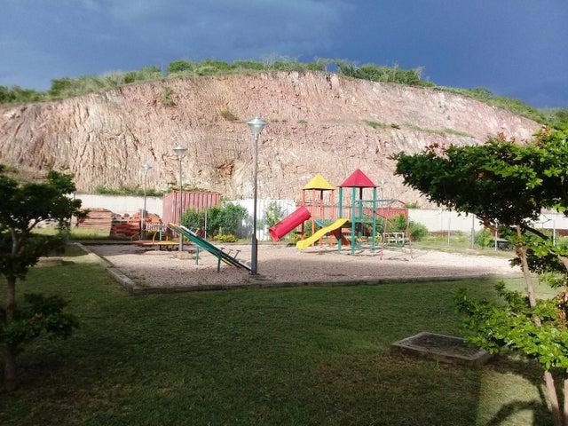 Apartamento Lara>Barquisimeto>Ciudad Roca - Venta:23.000 Precio Referencial - codigo: 19-13227